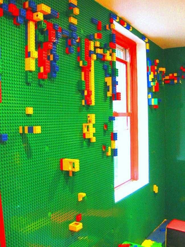 Brainy Builders - Decorating your Room with LEGO