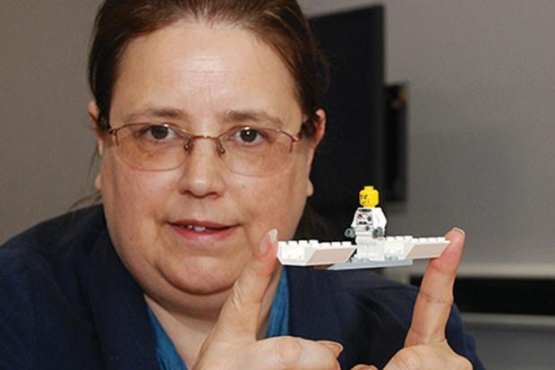 Pat Cullum University of Huddersfield - Adam and Eve it Pat Cullum used Lego to get students to explore gender