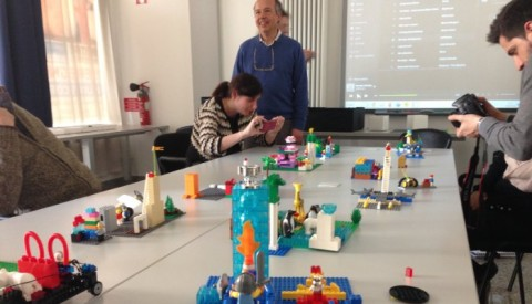 Let your hands think for you! Lego®, serious play and human resources